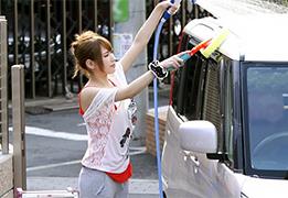 休日に愛車を洗車していた美人お姉さんをナンパして脱がすと神ボディ!