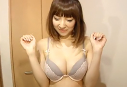 【素人】神レベルのクビレ美巨乳した女子大生のお部屋に訪問してH!