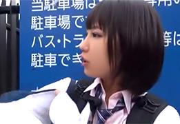 ライブを見るために北海道から上京中だった女子校生にお小遣い渡して…