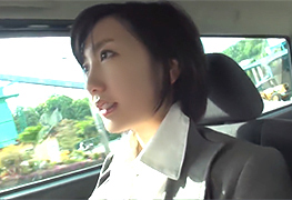 【素人】女優・波瑠似の清楚すぎる子持ちの爆乳奥さんとカーセックス!