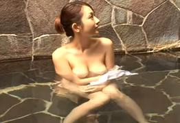 【素人ナンパ】広いお風呂でお互いの信頼関係を深めませんか?