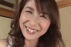 42歳の笑顔がステキな美しい奥さん