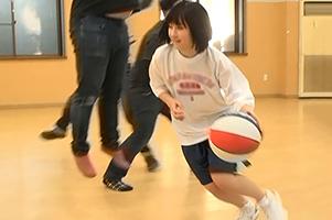 「激しいエッチが好き。」インターハイ出場経験もあるバリバリのバスケ女子大生 小泉まり