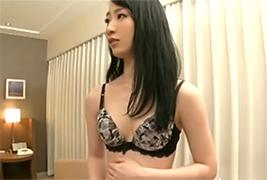 ハイソな素人妻に中出しナンパ!! in 表参道