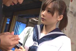 こんな制服美少女と本番できるなら円光で捕まっても悔いなし