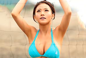 【素人】現役アスリートの並外れた性欲で男優を悶絶させる爆乳ビーチバレー選手!