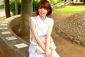 長~い手足に超小顔のモデル体型!静岡で見つけた今年BEST級の美人女子大生