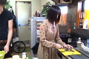 【盗撮】たこパで家に誘った料理上手なサークルの後輩を美味しく頂くリア充大学生