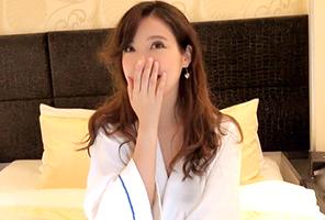 【素人】脱がすと筧美和子級の爆乳おっぱいだった超SSモデル級のアラサーOL